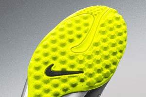 7ae6fff4a1d589 Футбольная обувь — купить обувь для футбола в Киеве. Скидки до -70%.