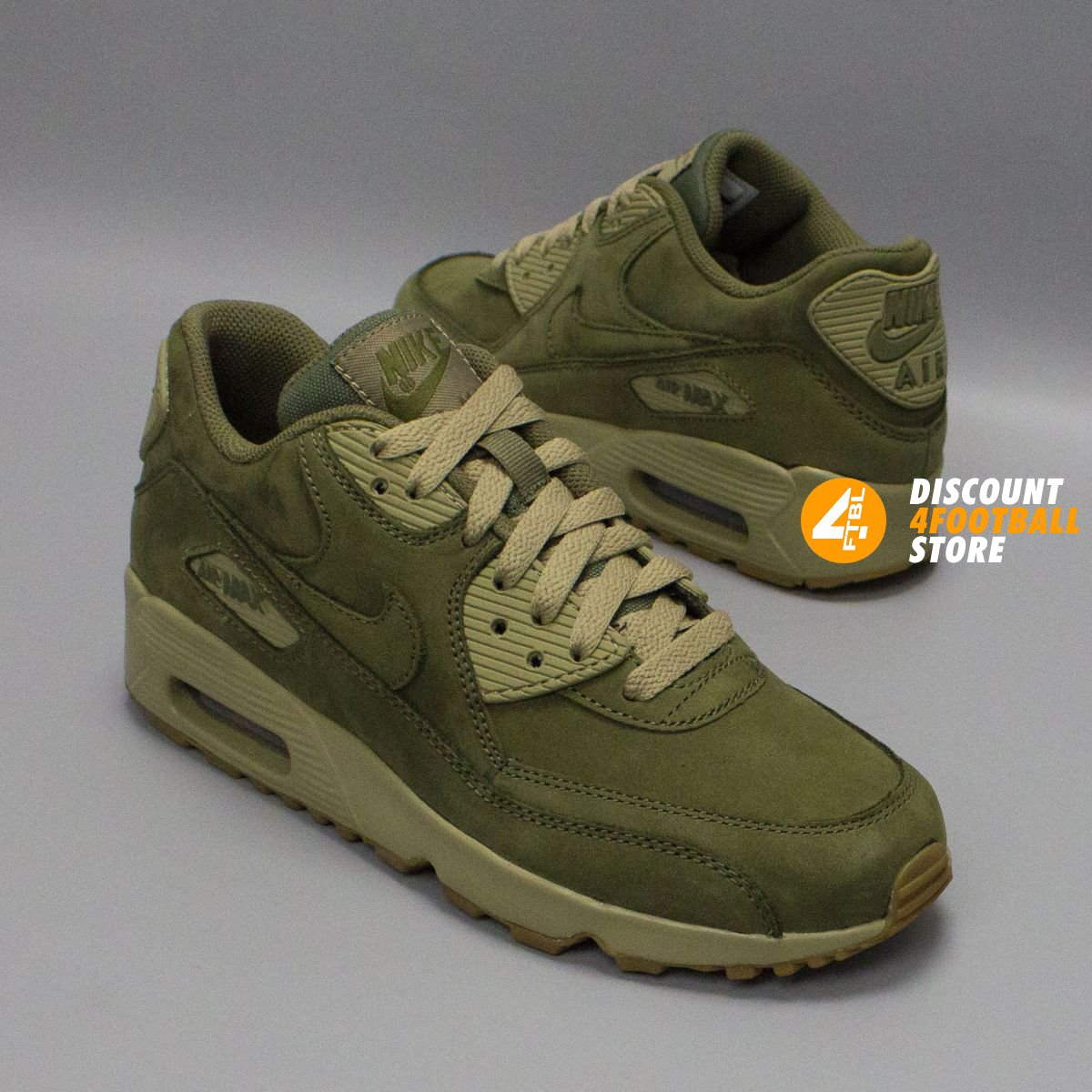 🥇 Кроссовки Nike — купить оригинальные кроссовки Найк. Скидки до 70 ... e357c365d3422