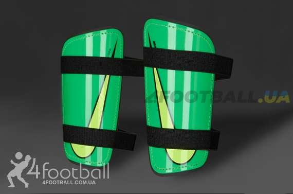 Футбольные щитки Nike - Mercurial Hard