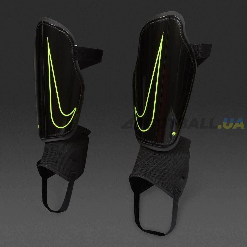 0fa6b870 Футбольные щитки Nike CHARGE 2.0 STEALTH | SP2093-010 купить на ...