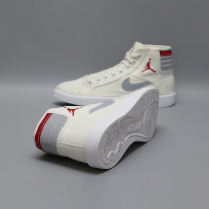 Кроссовки NIKE AIR JORDAN SKYHIGH 819953-102  2
