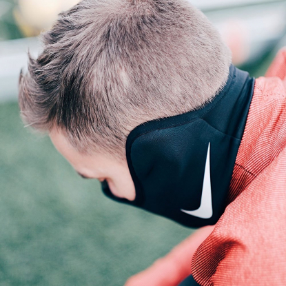 Спортивный термо шарф Nike Therma Squad Snood AQ8233-011  8